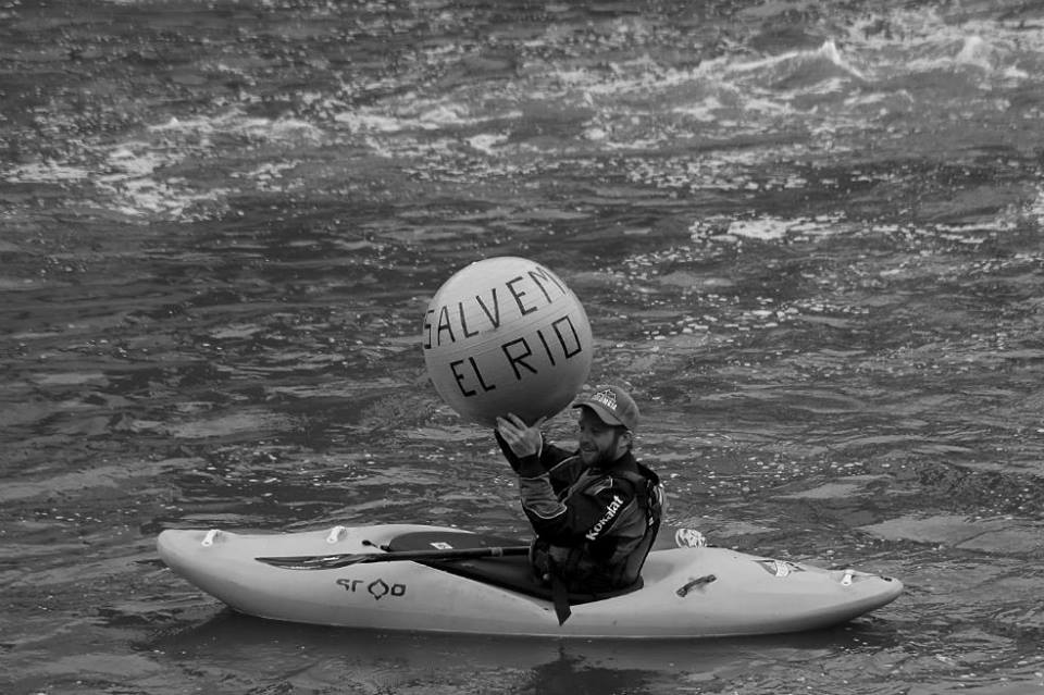 fuente Club Amigos del Rio medellín